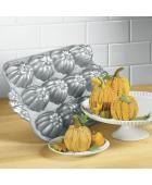 Halloween Baking Pan | Beso  #halloween, #pumpkins #thanksgiving #cute