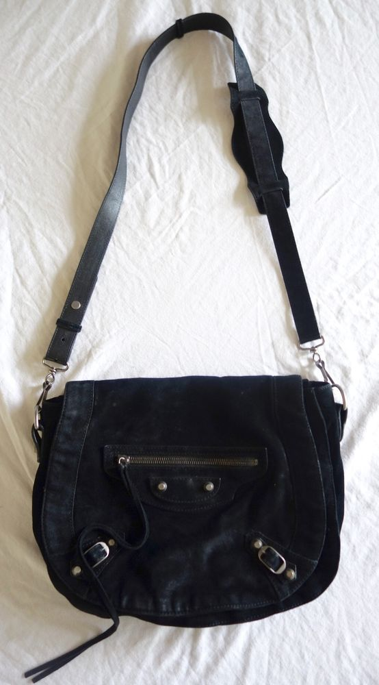 AUTHENTIC BALENCIAGA BLACK SUEDE FOLD MESSENGER CROSS BODY BAG (TRES SPECIAL!) #BALENCIAGA #HOBO