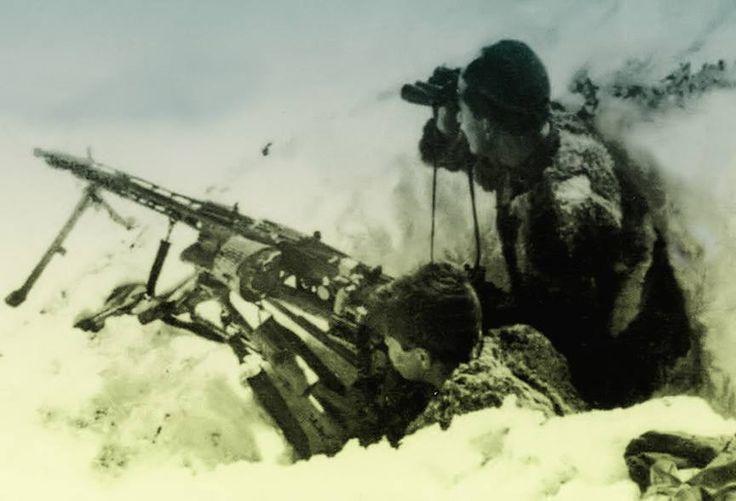 R.S.I. - Soldati della Divisione MONTEROSA nell'inverno del 1944. - pin by Paolo Marzioli