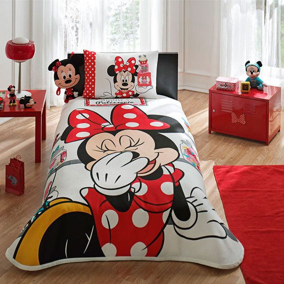 Piqué: 160 x 230cm. Fitted sheet: fits to a bed of 100 x 200cm. Pillow cover (1 piece): 50 x 70cm.    100% Cotton    Disney, Minnie Mouse  Adorable.