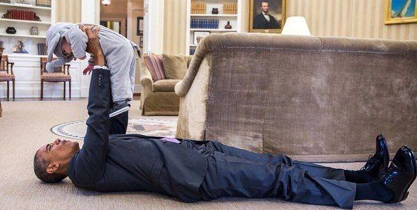 El cerebro del niño - No se si Obama habrá sido un buen presidente…pero estas 15 divertidas fotos demuestran que sabe conectar con los niños