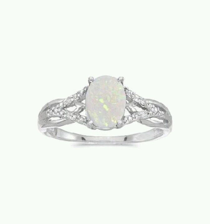 Opal engagement ring....I think I'm starting to get ring hungry lol.
