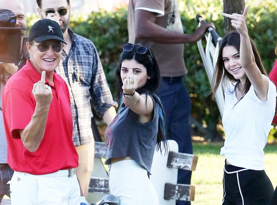 Bruce Jenner, Daughters Kendall and Kylie Flip Off Paparazzi in Wake of Separation News