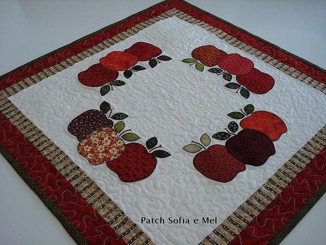Sobre toalha de maçãs