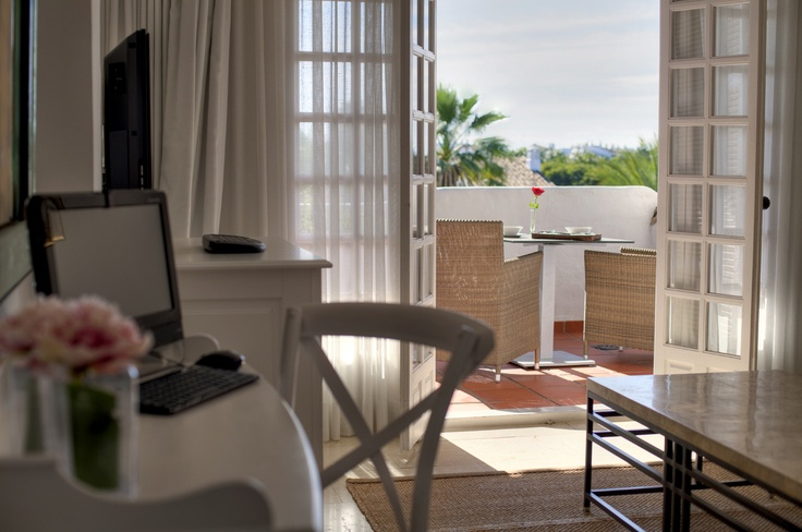 Marbella Holidays - Hotel Puente Romano - Accommodation