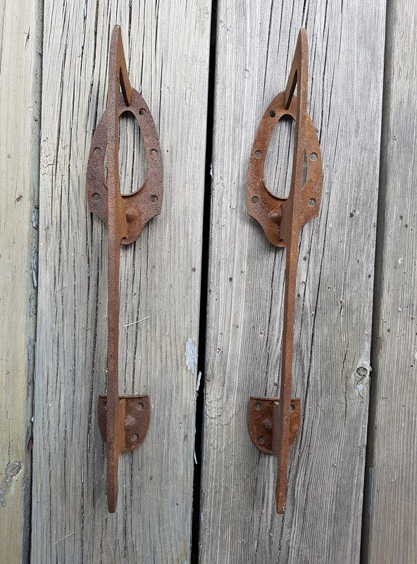 Lame de patin vintage rusty metal cheap, nice for orignal hook or handles/knobs...