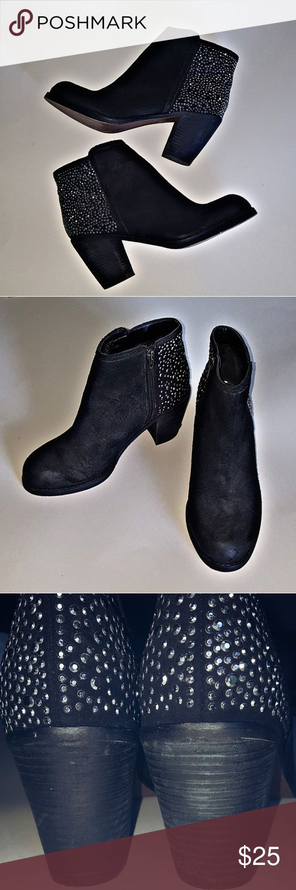 Carlos Santana Studded Sparkly Ankle Bootie Heels Carlos Boots  Size 7.5  3in heel  Great Condition - Minimal Ware  Suede like material  Thanks for reading and have a great day! Carlos Santana Shoes Ankle Boots & Booties
