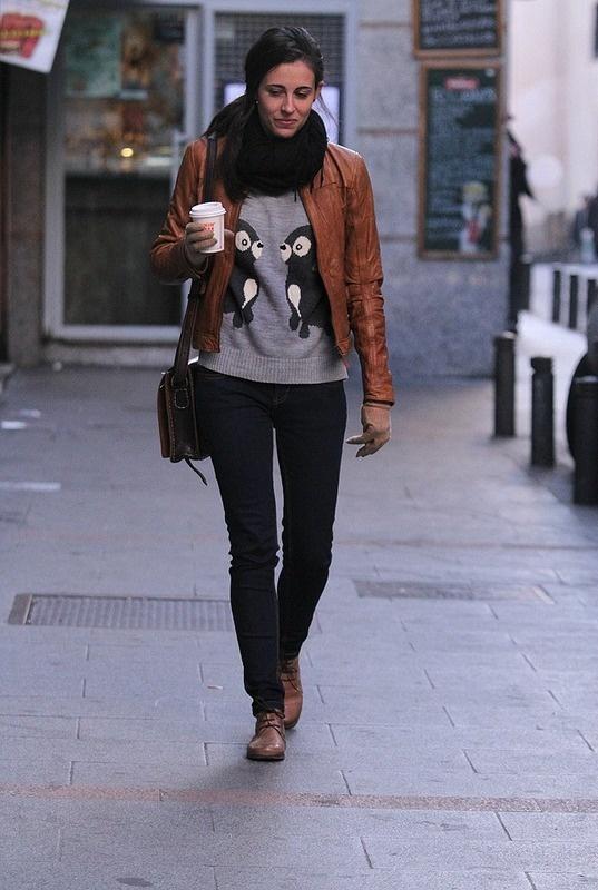 Cazadora de cuero color camel de Pull & Bear
