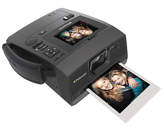An article about How to find a really good instant camera which uses cheap instant film but also gives you quality photos.  #InstantCameras #PolaroidCameras #CheapInstantCameras