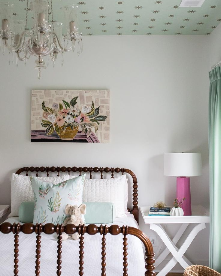 that ceiling! that Jenny Lind bed!