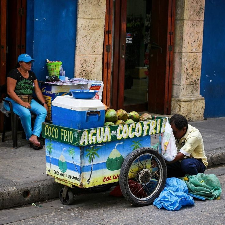 A typical street scene from Cartagena. One of the best refreshments you can have is a fesh coconut juice straight from the coconut! Just a killer hydrater.