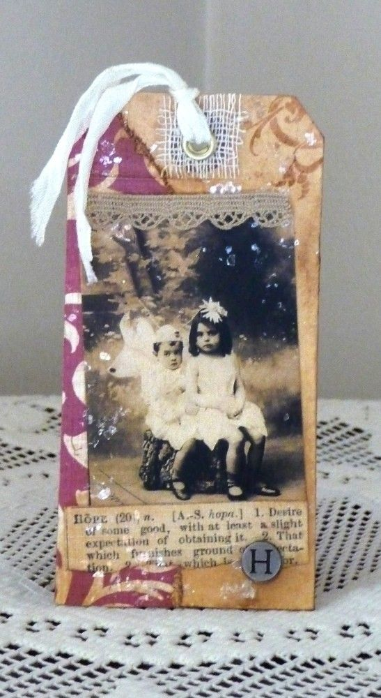 Christmas Tag.  Love the idea of a vintage pic.  Could even use some of mine.