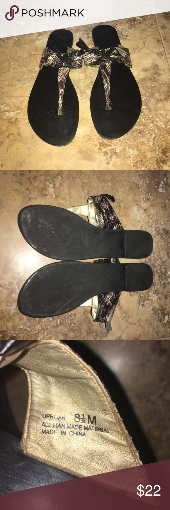 Chinese laundry sandals Good condition Chinese laundry sandals/ flip flops size 8.5 Chinese Laundry Shoes Sandals