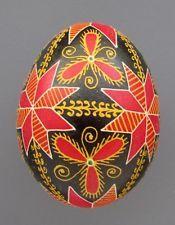 Pysanka, Real Ukrainian Easter Egg Hen Chicken Shell,Geometric Design,Flower,M6