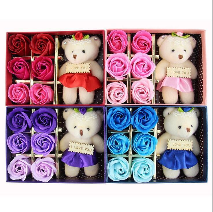 These flowers are actually soaps! How cute! #valentinesday #flowers #roses #cute #teddybear #gift