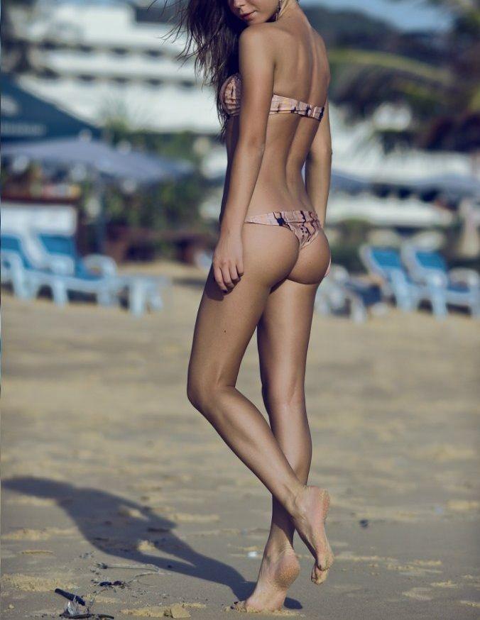 Sexy anorexic bikini girls — 8