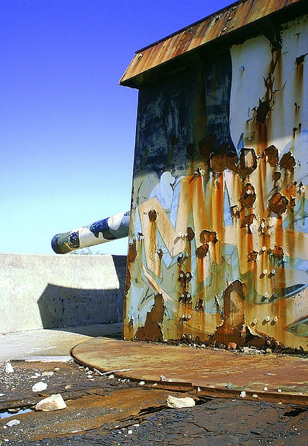 World War 2 Cannon and ammunitions bunker which forms part of the Upper North Battery on Red Hill above Simons Town on the Cape Peninsula near Cape Town. Some awesome underground bunkers and abandoned cannons.