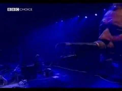 "Coldplay Live in UK - ""POLITIK"""