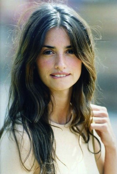 PenelopeGirls Crushes, Penelopecruz, Messy Hair, Dreams Hair, Nature Makeup, Beach Hair, Nature Beautiful, Nature Looks, Penelope Cruz