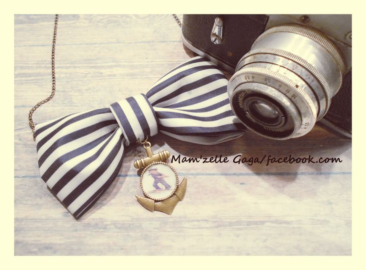 """In the navy"" necklace"