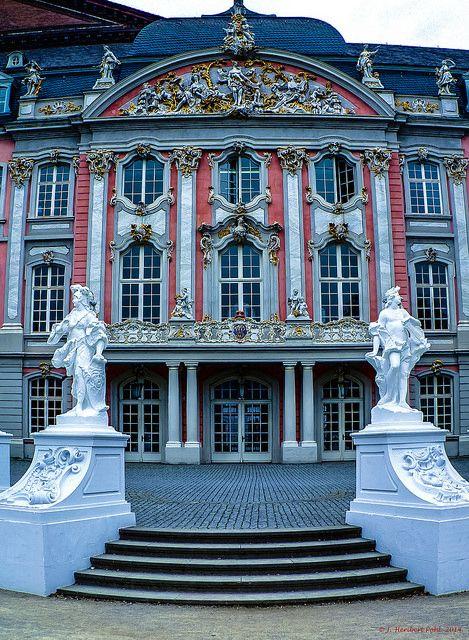 Trier, Kurfürstliches Palais   Flickr: Intercambio de fotos