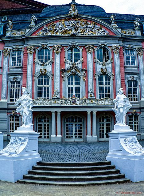 Trier, Kurfürstliches Palais | Flickr: Intercambio de fotos