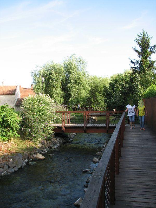 Tapolca-patak sétánya (Tapolca) http://www.turabazis.hu/latnivalok_ismerteto_1743 #latnivalo #tapolca #turabazis #hungary #magyarorszag #travel #tura #turista #kirandulas