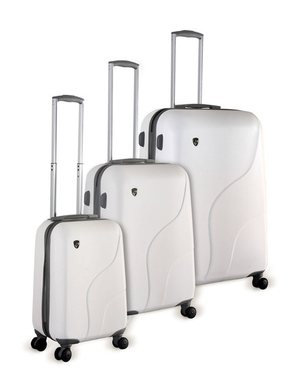Heys makes the lightest and most durable luggage. My fav brand. Crown XC 3 Piece Set by Heys Luggage on Gilt