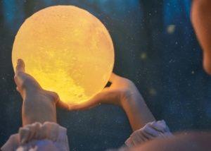 nocna lampka czarodziejki z księżyca