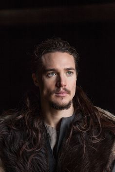 the last kingdom alexander dreymon - DADDDDDY