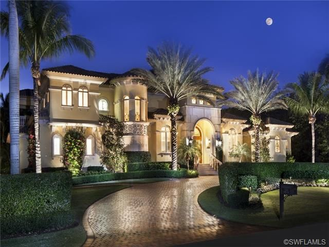Estate home naples florida where there are hundreds of for Million dollar luxury homes