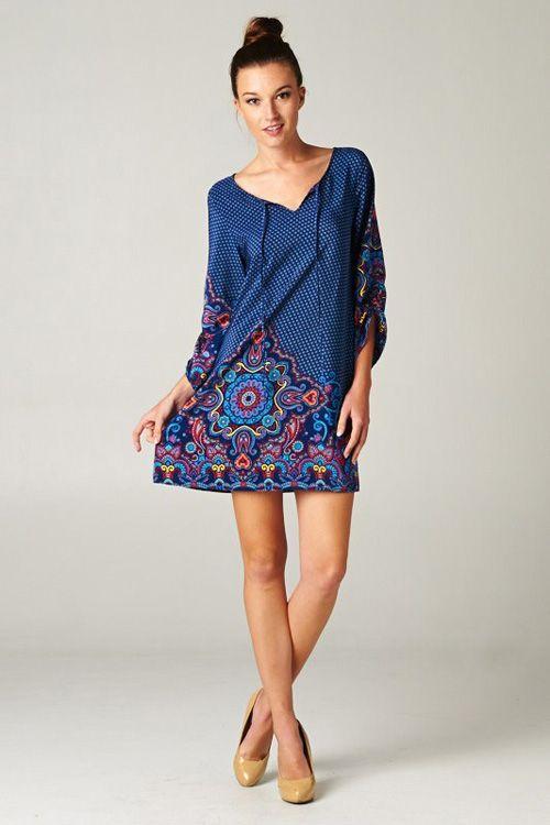 Vestido túnica azul com estampas - http://vestidododia.com.br/modelos-de-vestido/vestidos-tunica/vestidos-tunica/