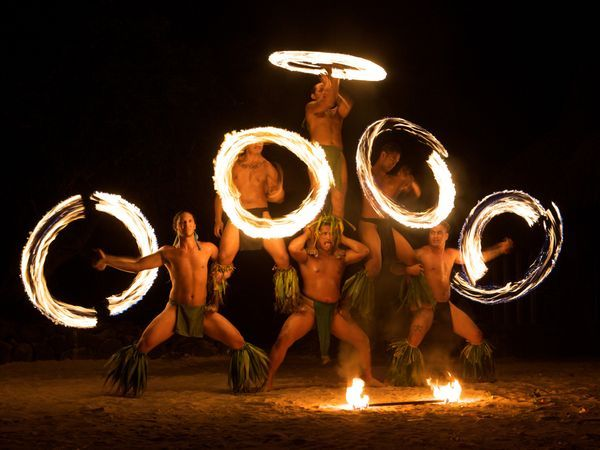 You just gotta love those fire dancers at the Polynesian Cultural Center!!!!