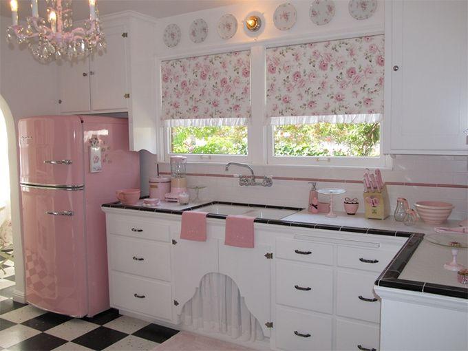 Certeza que minha cozinha vai ser assim!!!  http://www.blogsdecor.com/lerdormircomer/35-itens-fofos-de-decoracao-para-a-sua-cozinha/