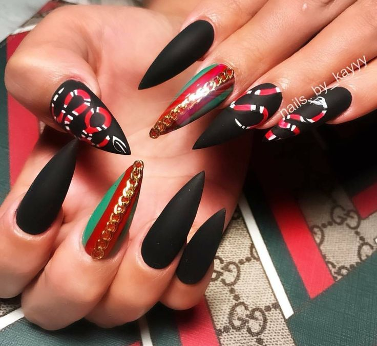 Glamorousbling Dadollhouse Follow Us In 2019 Nails Black Stiletto Nails Gucci Nails
