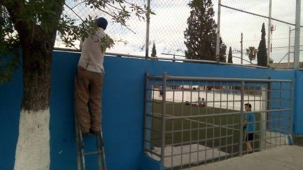 <p>Chihuahua, Chih.- El Gobierno Municipal a través de la Dirección de Mantenimiento Urbano, realizó múltiples labores de limpieza