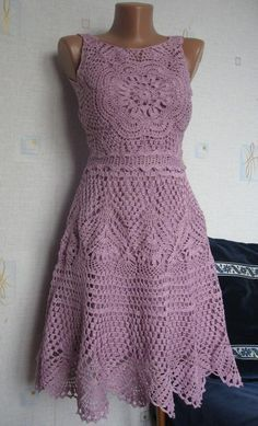 """Bom dia pessoal, já faz um tempo que estou querendo crochetar uma vestido mas, tá difícil achar um modelito, não gosto do tipo """"piri guete..."""