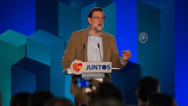 """Mariano Rajoy urges large turnout in Catalan election https://tmbw.news/mariano-rajoy-urges-large-turnout-in-catalan-election  Spanish Prime Minister Mariano Rajoy has urged Catalans to turn out in large numbers to vote in a snap election next month, as he made his first visit to Catalonia since Spain's central government imposed direct rule over the region.Rajoy travelled to Barcelona on Sunday to campaign ahead of the December 21 regional poll.""""We want massive voting ... so we can start a…"""