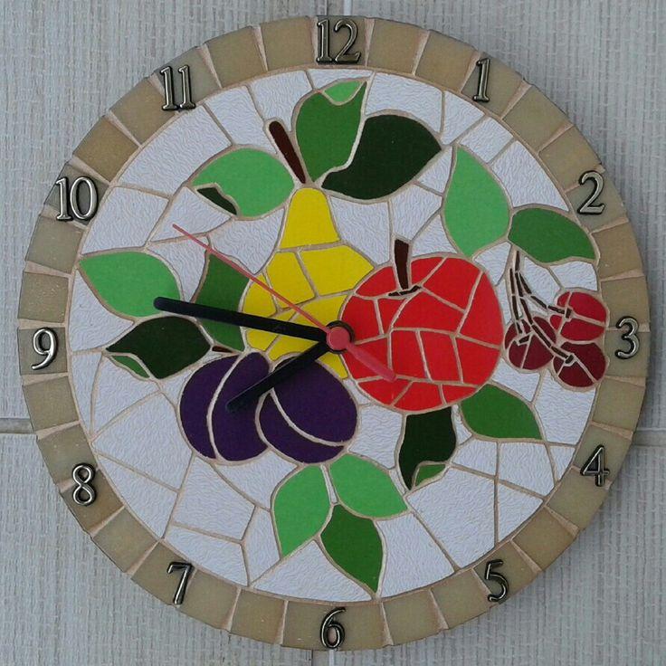 Mosaico em azulejos e pastilhas de vidro