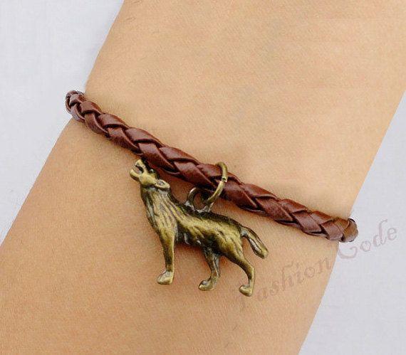 Wolf Charm Bracelet: Wolf Charm Bracelet In Bronze--Best Chosen Gift