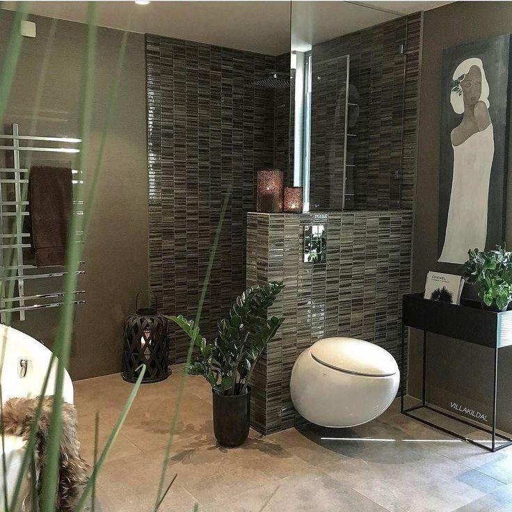 Unikt & lekkert hos flinke @villakildal  Det flotte toalettet fra Laufen Alessi One er også i vår nettbutikk #rørkjøp . Bli med på Ukens Bad! Tagg baderomsbildene dine med #rørkjøp @rorkjop