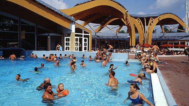 Kültéri medence Bükfürdőn