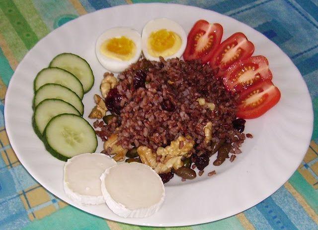 Mia's Gluten free Coffee Shop: Spicy Breakfast Rice with Walnuts, Pistachios and Raisins