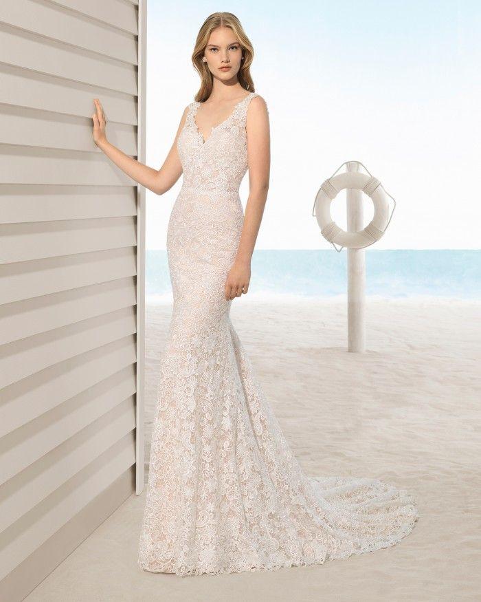 Aire Beach Wedding - UTOPICO | Rosa Clara at Jaehee Bridal Atelier    #sheath #vneck #straps #lace #bridal #weddingdress #pink #blush #bridal #weddingdress