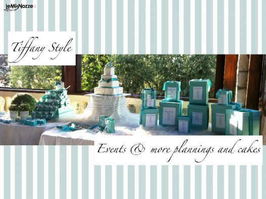 http://www.lemienozze.it/gallerie/torte-nuziali-foto/img34133.html Torta nuziale e tavolo dei dolci in stile Tiffany