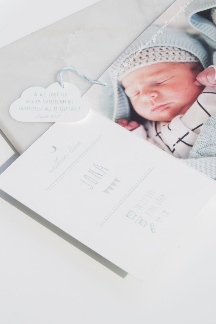 Geboortekaartje Tweeling Jona en Auke - mintgroen met veertjes. Ontwerp door…