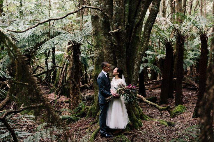 new-south-wales-wedding-photographer-country-trees-forest-canberra-braidwood-bride-groom-lady-larissa-florist-bouquet-anthea-lyndon