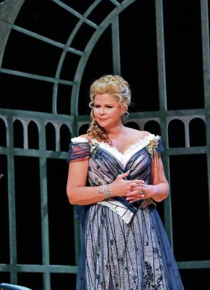 Susan Graham   Susan Graham spectacular as Grand Duchess of Gerolstein