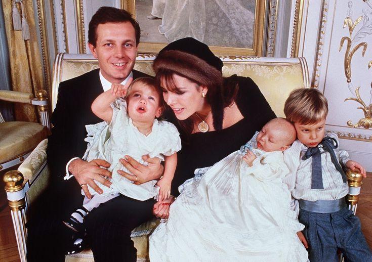 У Каролины и Стефано родилось трое детей: Андреа, Шарлотта и Пьер