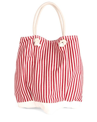 Beach Celeb Bag- saw one just like this at Forever 21 for half the price
